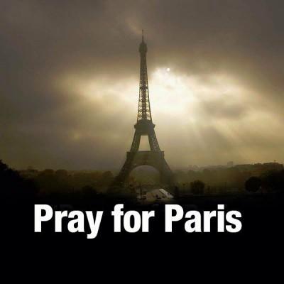 Massiv terror attack i Paris med militära förtecken